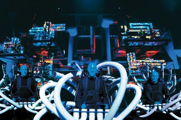 911-AE_stage_BlueMan